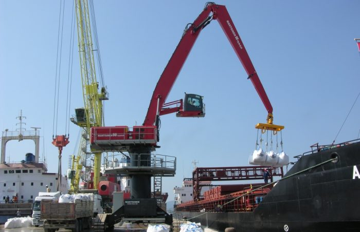 Mantsinen 90 ER big bags 2 | Container Handling Equipment |