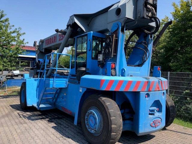 F258.6. Gesamtansicht | Container Handling Equipment |